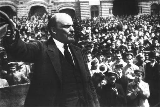 El Regreso De Lenín Y Trotsky