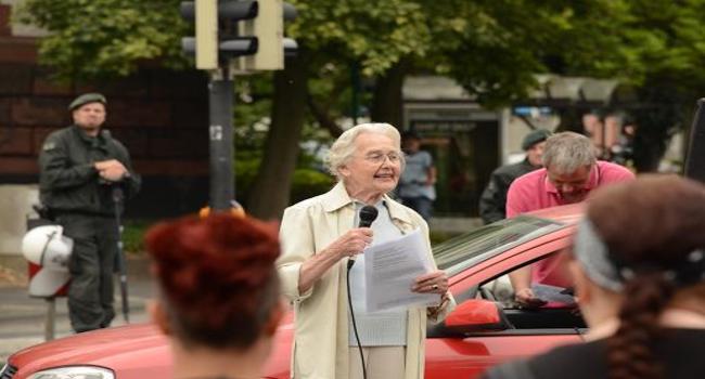 Historiadora Ursula Haverbeck de 86 años a la cárcel por negar Holocausto