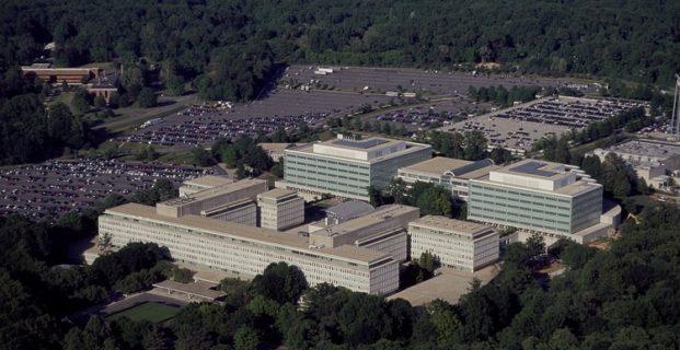 Marines entran en la CIA para evitar golpe de estado